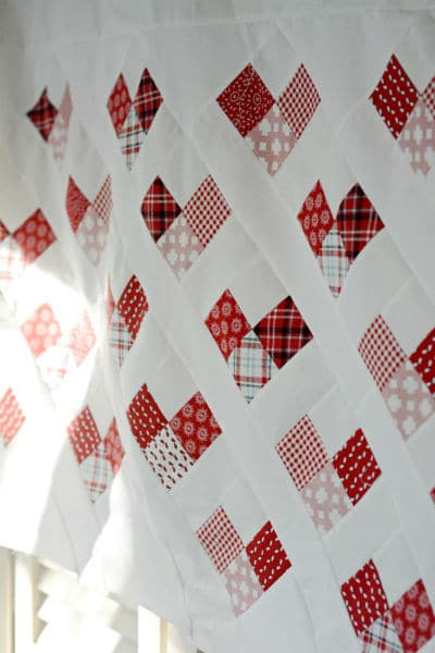 MBS-country-hearts-quilt-sideview-550x824