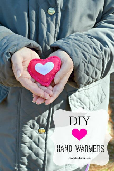 Valentine-Craft-DIY-Heart-Hand-Warmers