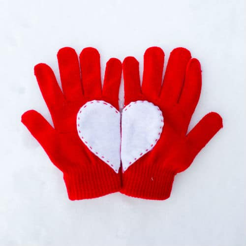 heart-gloves